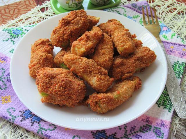 Кабачки в сырной панировке - рецепт с фото
