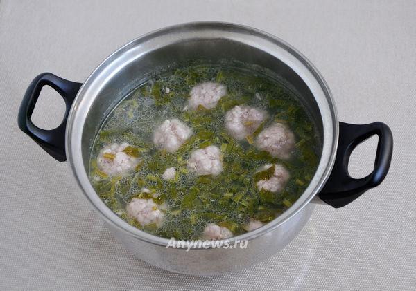 """Суп """"Дачный"""" с щавелем и фрикадельками"""