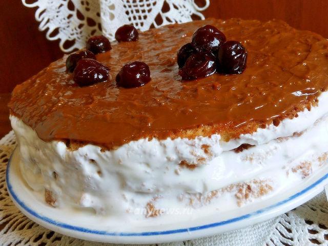 Бисквитный торт с вареной сгущенкой - рецепт с фото