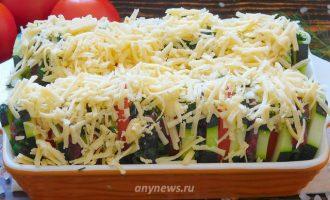 Кабачки кружочками с фаршем в духовке с помидорами и сыром