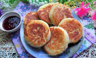 Сырники с кокосовой стружкой и манкой - рецепт с фото