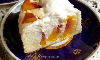 Творожник с персиками - рецепт с фото
