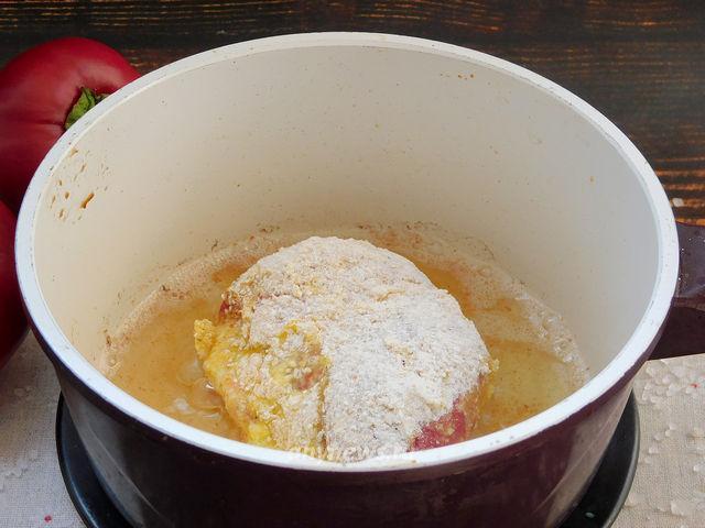 Чушка бюрек - жарим в кипящем масле