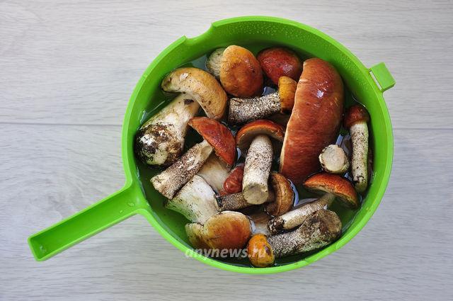 суп из свежих белых грибов - замачиваем грибы