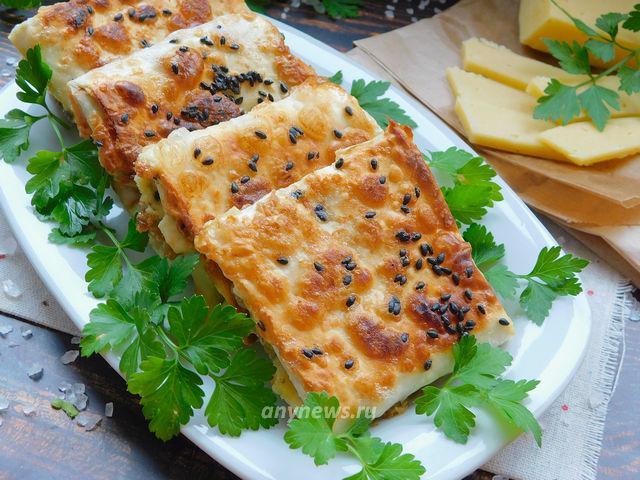 конвертики из лаваша с колбасой и сыром - рецепт с фото