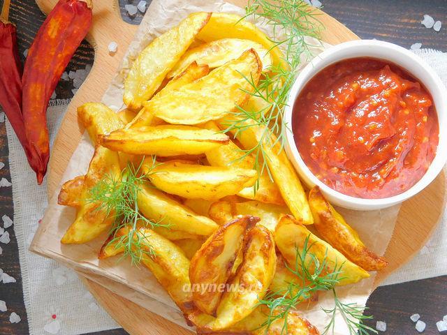 Картофель фри с соуом