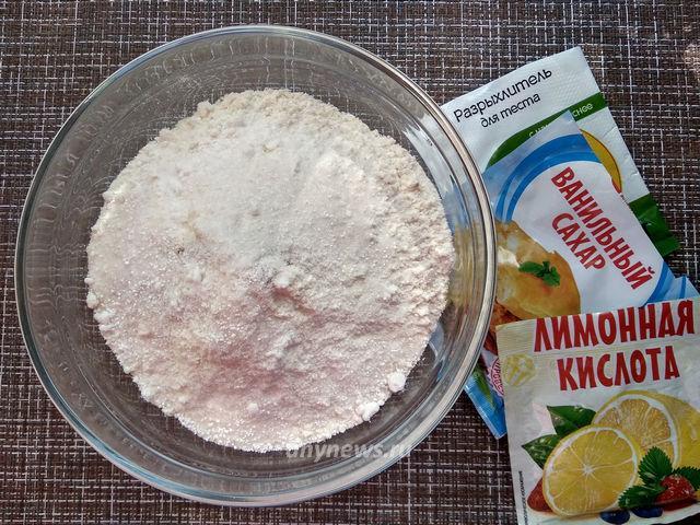 Венские вафли в вафельнице - замешиваем тесто