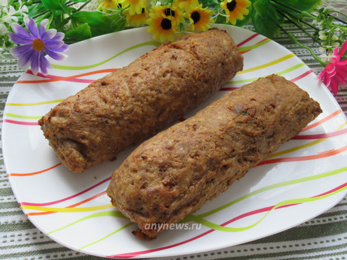 Мясной рулет с начинкой из чернослива и орехов