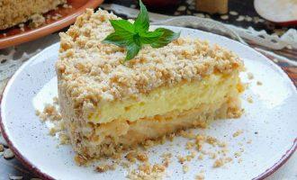 Пирог из овсяных хлопьев с яблоками и творогом