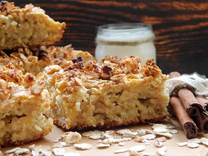 Пирог из овсяных хлопьев на кефире - рецепт с фото
